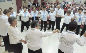 Tην Ημέρα της Τρίτης Ηλικίας γιορτάζουν με τραγούδι, χορό, εικαστικά και την υπέροχη τραγουδίστρια Μπέσσυ Αργυράκη τα ΚΑΠΗ του Δήμου Ηρακλείου Αττικής