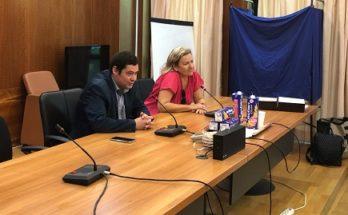 """""""Μαθητές από τη Λυών που συμμετέχουν σε πρόγραμμα αδελφοποίησης με το 1ο ΓΕΛ Πεύκης υποδέχθηκε ο Δήμαρχος"""""""
