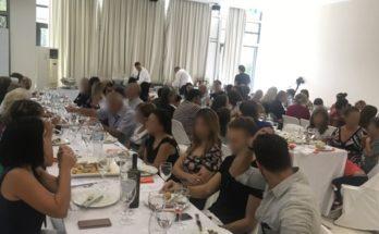 50 συμπολίτες μας από ευπαθείς κοινωνικές ομάδες παρακάθισαν στο γεύμα που παρέθεσε ο Δήμος Αμαρουσίου σε συνεργασίαμε την ΑΜΚΕ «Άρτος και Αγάπη»