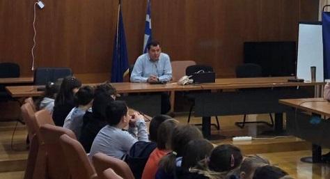 """""""Μαθητές του2ου Δημοτικού Πεύκης υποδέχθηκε ο Δήμαρχος"""""""