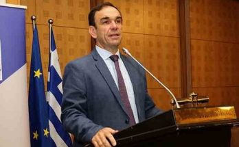 Ο πρώην δήμαρχος Κηφισιάς και σήμερα πρόεδρος της ΕΝΟΑΝ Νίκος Χιωτάκης (2ος στους σταυρούς) εξελέγη στο Εποπτικό Συμβούλιο της ΚΕΔΕ και στο διοικητικό συμβούλιο.