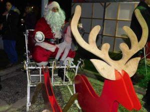 Tο Χριστουγεννιάτικο Δέντρο του Δήμου Παπάγου – Χολαργού άναψε το Σάββατο 7 Δεκεμβρίου στον Προαύλιο Χώρο του Δημαρχείου