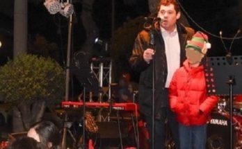 Ο Δήμος Λυκόβρυσης – Πεύκης άναψε το Χριστουγεννιάτικο Δέντρο στην Πεύκη και την Παρασκευή 6/12 θα ανάψει στη Λυκόβρυση