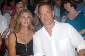 O Τομ Χανς πολιτογραφήθηκε τιμητικά ως Έλληνας από τον Πρόεδρο της Δημοκρατίας Προκόπη Παυλόπουλο