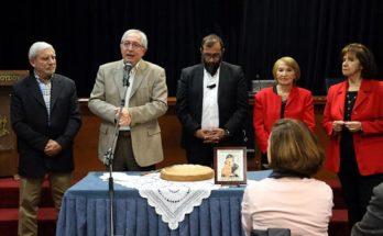 Ο Θεόδωρος Αμπατζόγλου στην κοπή της πίτας των ΚΑΠΗ του Δήμου Αμαρουσίου.