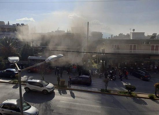 Φωτιά ξέσπασε σήμερα το πρωί σε διώροφο σπίτι στην οδό Πεντέλης 130 στο Μαρούσι
