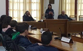Επίσκεψη των μαθητών της ΣΤ' Δημοτικού του 2ου Δημοτικού Μελισσίων στο Δημαρχείο Πεντέλης