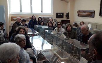 Τα μέλη των ΚΑΠΗ Δήμου Κηφισιάς επισκέφθηκαν την Ιστορική βιβλιοθήκη του Ιδρύματος Αικατερίνης Λασκαρίδη