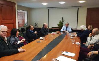 Ο Θεόδωρος Αμπατζόγλου συναντήθηκε Χθες με τον Πρόεδρο Κωστή Σηφάκη και τα μέλη της Ένωσης Κρητών Αμαρουσίου «Κρηταγενής Ζευς» στο Δημαρχείο Αμαρουσίου.