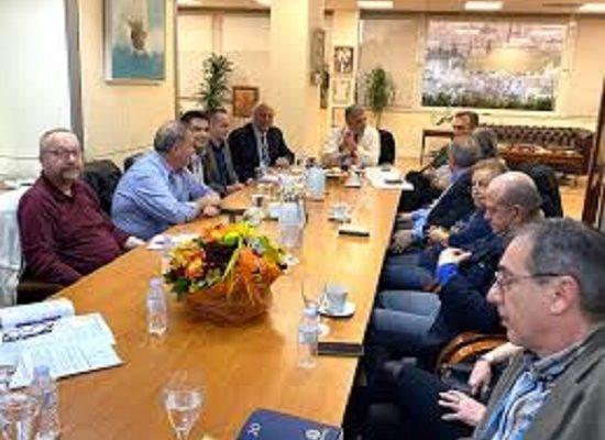 Με πρωτοβουλία του Περιφερειάρχη Αττικής Γ. Πατούλη προχωρά η άμεση έκδοση οδηγιών ενημερωτικού χαρακτήρα προς τους εργαζόμενους της Περιφέρειας και τους πολίτες για την εποχική γρίπη και τον κοροναϊό - Ευρεία σύσκεψη του κ. Πατούλη με τους Διευθυντές και