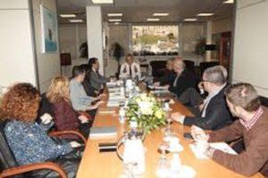 Συνάντηση του Περιφερειάρχη Αττικής Γ. Πατούλη με εκπροσώπους του Οργανισμού Λιμένος Πειραιώς (ΟΛΠ) και των Ναυπηγοεπισκευαστικών επιχειρήσεων για την υποβληθείσα Μελέτη Περιβαλλοντικών Επιπτώσεων των έργων στο λιμάνι του Πειραιά