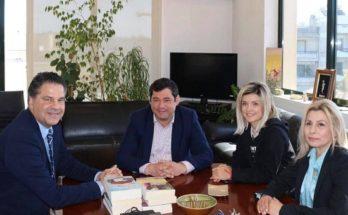 Πεύκη-Λυκόβρυση: 600 βιβλία για την ενίσχυση της Δημοτικής Βιβλιοθήκης πρόσφερε η Νέα Δημοκρατία