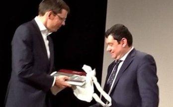 Λυκόβρυση- Πεύκη: Ο Δήμαρχος και ο Νορβηγός Πρέσβης στην προβολή της ταινίας «Η επιλογή του Βασιλιά» στο Δημοτικό Θέατρο