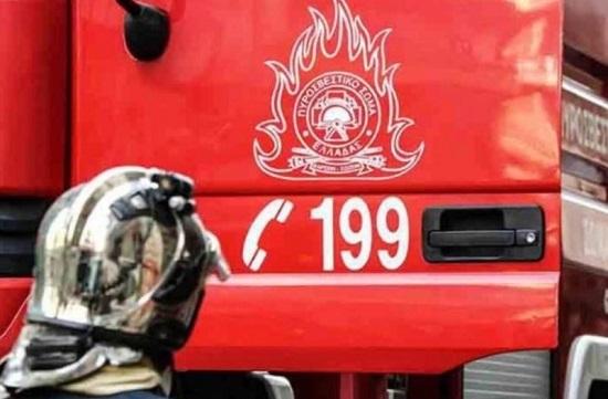 Μετά από τροχαίο στο Χολαργό ΙΧ τυλίχτηκε στις φλόγες