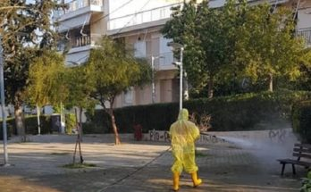 Ηράκλειο : Τα συνεργεία του Δήμου απολυμαίνουν και καθαρίζουν σήμερα στους δρόμους της Καναπίτσας