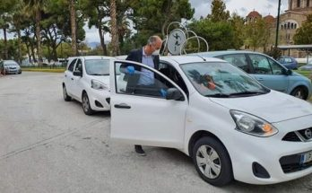 Μεταμόρφωση: Δύο επιβατικά αυτοκίνητα από την ΚΕΔΕ και την AutoHellas ATEE- Hertz, για την Κοινωνική Υπηρεσία παρέλαβε ο Δήμος