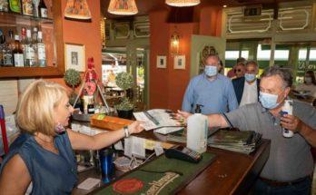 ΕΕΑ: Διανομή υγειονομικού υλικού στην Αγία Παρασκευή και στην Καισαριανή