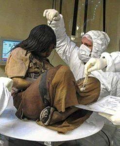 «15χρονο κορίτσι έζησε στην αυτοκρατορία των Ίνκας πάγωσε κατά τη διάρκεια του ύπνου της και βρέθηκε άθικτη το 1999»