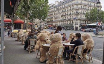 Διεθνή: Το πιο έξυπνο και γλυκό κόλπο, για να τηρούνται οι αποστάσεις καφέ