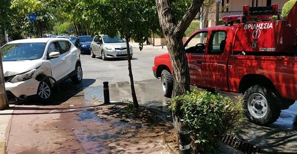 Βριλήσσια : Μετωπική σύγκρουση δύο Ι.Χ αυτοκινήτων οδό 28ης Οκτωβρίου και Μακεδονίας