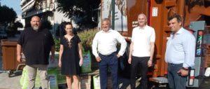 Μεταμόρφωση: Ένα απορριμματοφόρο και καφέ κάδους βιοαπόβλητων από την Περιφέρεια