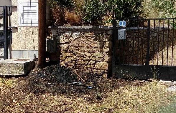 Πεντέλη: Φωτιά προκλήθηκε από σπινθήρα σε κολώνα της ΔΕΗ στην Δημοτική Κοινότητα Πεντέλης
