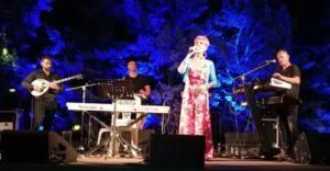 Πεντέλη: Δεύτερη μέρα του πολιτιστικού τριήμερού με μουσικές παραστάσεις-συναυλίες με την παράσταση «Αγάπες του καλοκαιριού» με τη Σοφία Βόσσου