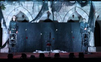 Πεντέλη : Mία υπέροχη ποιοτική παράσταση μαύρης κωμωδίας «Στο μυαλό του Φραντς Κάφκα» απόλαυσε το κοινό στο Μέγαρο Δουκίσσης Πλακεντίας