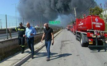 Μεταμόρφωση: Δήλωση Δήμαρχου για την μεγάλη φωτιά σε εργοστάσιο ανακύκλωσης πλαστικών