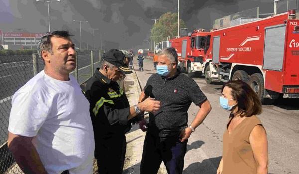 Περιφέρειας Αττικής: Άμεση ήταν η ανταπόκριση και η συνδρομή της Περιφέρειας στην αντιμετώπιση της φωτιάς που ξέσπασε στο εργοστάσιο ανακύκλωσης πλαστικών στη Μεταμόρφωση