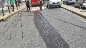 Βριλήσσια: Έκλεισε Λ Πεντέλης από λάδια στο οδόστρωμα μετά από ατύχημα