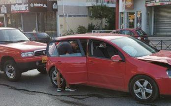Βριλήσσια : Τροχαίο ατύχημα στην Λεωφόρο Πεντέλης και Αναλήψεως