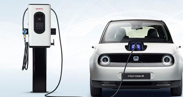 Το ηλεκτρικό Honda e αποκτά νε προσωπικότητα με έξυπνα αξεσουάρ