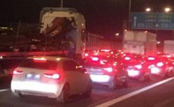 Λυκόβρυση Πεύκη: Τροχαίο στην Εθνική Οδό Αθηνών Λαμίας στο ύψος της Λυκόβρυσης