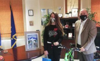 Διόνυσος: Βράβευση μαθήτριας του Γυμνασίου στο πλαίσιο του Διαγωνισμού Ζωγραφικής για την «Ευρωπαϊκή Εβδομάδα Κινητικότητας 2020