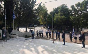 Περιφέρεια Αττικής ΠΕΒΤΑ: Η Αντιπεριφερειάρχης Λουκία Κεφαλογιάννη στην κατάθεση στεφάνου στο Ηρώο Πεσόντων στο Δήμο Παπάγου-Χολαργού