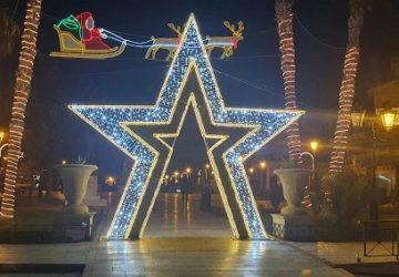 Ραφήνα Πικέρμι :Η στολισμένη πόλη της Ραφήνας όμορφη και γιορτινή πόλη