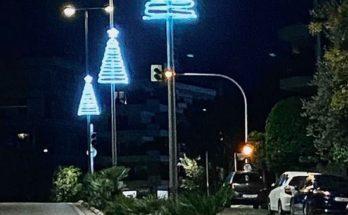 Παπάγου Χολαργού: Οι εργασίες στολισμού την πόλη ενόψει των Χριστουγέννων άρχισαν