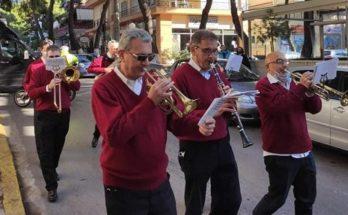 Νέο Ηράκλειο: Με κάλαντα των Χριστουγέννων και γιορτινές νότες γέμισαν οι δρόμοι της πόλης