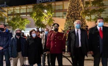 Μαρούσι: Στην Πλατεία Ευτέρπης (ΗΣΑΠ) χθες το βράδυ έγινε η φωταγώγηση του Χριστουγεννιάτικου Δέντρου της πόλης