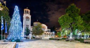 Παλλήνη : Φωτογραφική βόλτα στις στολισμένες πλατείες του Δήμου