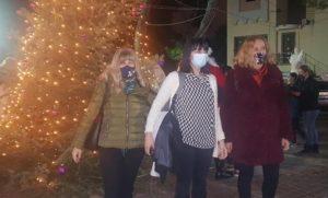 Πεντέλη: Άναψε το Χριστουγεννιάτικο δέντρο στο Πευκοδάσος στον Ιερό Ναό της Ζωοδόχου Πηγής στα Μελίσσια
