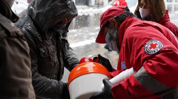 Ελληνικός Ερυθρός Σταυρός: Δράση ενεργητικής προσέγγισης αστέγων steetwork,