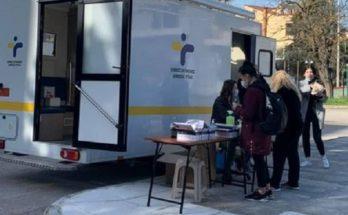 Λυκόβρυση Πεύκη: Σε εξέλιξη δωρεάν rapid tests μέσα από το αυτοκίνητο από τον Δήμο σήμερα Σάββατο 27/2