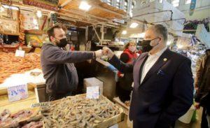 Περιφέρεια Αττικής: Την Βαρβάκειο αγορά επισκέφτηκε σήμερα ο Περιφερειάρχης Αττικής
