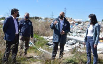 ΣΠΑΠ : Συνεχίζονται οι εκτεταμένες εργασίες αποκομιδής σκουπιδιών και μπαζών στο πρώην Λατομείο Μουζάκη στο Πεντελικό