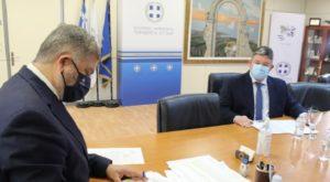 Περιφέρειας Αττικής: Υπεγράφη από τον Περιφερειάρχη η απόφαση για την έναρξη των έργων ενεργειακής αναβάθμισης στο Δημαρχείο Αχαρνών
