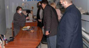 Λυκόβρυση Πεύκη: Διανομή υγειονομικού ενημερωτικού υλικού στα καταστήματα του Δήμου από το ΕΕΑ και την Περιφέρεια