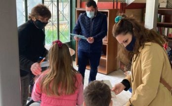Λυκόβρυση Πεύκη : Στη Δημοτική Βιβλιοθήκη ο Δήμαρχος για να βραβεύσει τους μικρούς βιβλιοφάγους