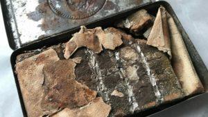 Μετά από 121 χρόνια βρέθηκε κουτί με σοκολάτα δώρο της βασίλισσας Βικτώριας